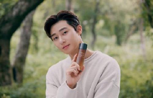 朴叙俊代言护肤品牌TIRTIR媞乐媞乐,济州岛新广告拍摄现场公开