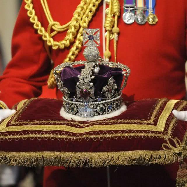 <strong>在地下躺了20亿年被发现,全世界第二大的钻石仅次于女王的皇冠</strong>